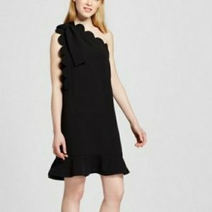 Victoria Beckham black scalloped dress size Medium